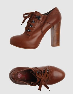 Chloe' Women - Footwear - Laced shoes Chloe' on YOOX :  chloe shoes heels brown