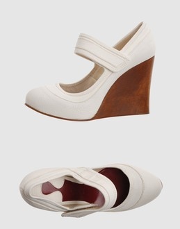 Chloe' Women - Footwear - Wedge Chloe' on YOOX :  wedge leather white chloe