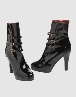 MARC JACOBS Women - Footwear - Ankle boots MARC JACOBS on YOOX :  platform platforms red lined heels