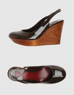 CHLOE' Women - Footwear - Wedge CHLOE' on YOOX :  pumps slingbacks patent leather wedge chloe