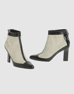 Narciso rodriguez Women - Footwear - Ankle boots Narciso rodriguez on YOOX