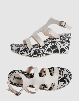 JOCOMOMOLA DE SYBILLA Women - Footwear - Wedge JOCOMOMOLA DE SYBILLA on YOOX :  wedge wedges leather black and white
