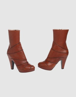 L' autre chose Women - Footwear - Ankle boots L' autre chose on YOOX :  leather modern chair ankle boots boots