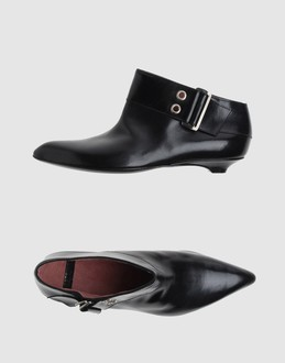 ANTEPRIMA Women - Footwear - Ankle boots ANTEPRIMA on YOOX :  black ankle boots anteprima buckle