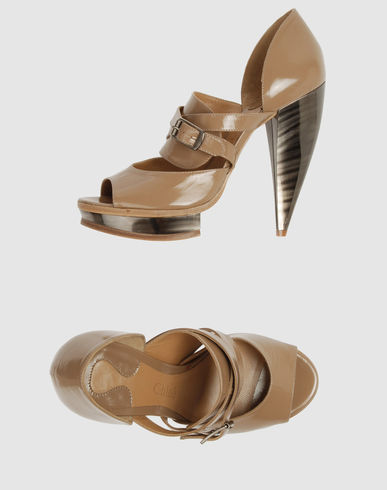 CHLOE' Women - Footwear - Closed-toe slip-ons CHLOE' on YOOX :  tan sandals patent leather shoes